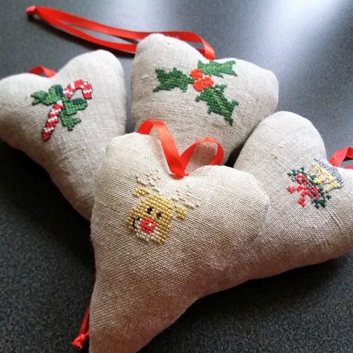 Juleworkshop - Broderede hjerter kl. 12:15 - 15:00